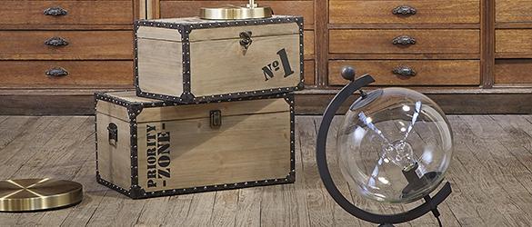 malles de rangement en bois pour la d co de vitre int rieur. Black Bedroom Furniture Sets. Home Design Ideas