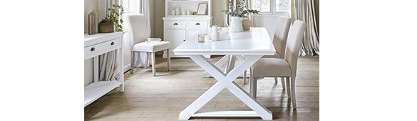 table salle a manger blanc en bois style romantique